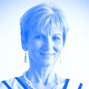 Dr. Erika Pintér